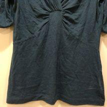 Banana Republic Light Weight V-Neck Short Sleeve Shirt Sz M image 3
