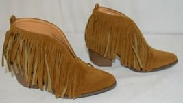 Beast Fashion Carrie 01 Camel Fringe Slip On Shoes Size Six image 3