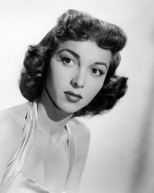 Beverly Garland Glamour Pose 16x20 Canvas - $69.99