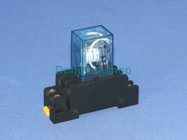 Omron LY2J Relay 24 Vdc With PTF08A-A Base - $9.56