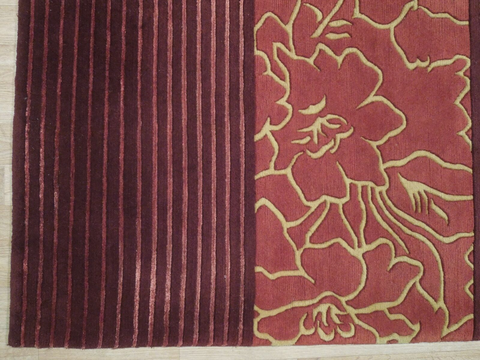 Abstract Shades of Red Gold stripes Handmade 6 x 8 Red Modern Wool & Silk Rug image 7