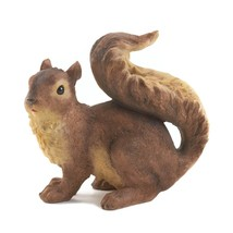 Squirrel Garden Statue, Rustic Resin Squirrel Decorative Garden Fencing - $20.99