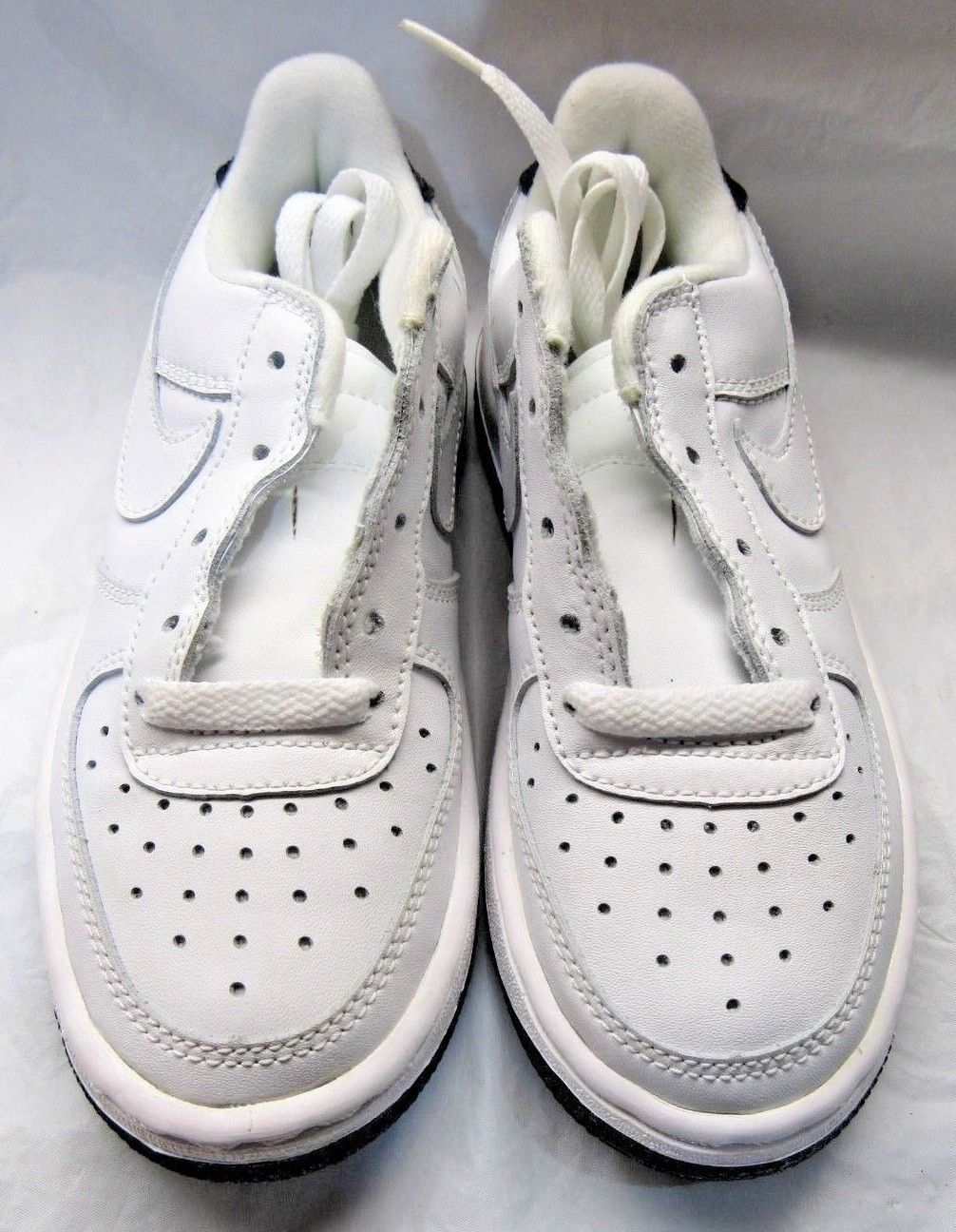 watch 3498a 0b164 S l1600. S l1600. Previous. NIKE 624047-117 KID FORCE 1 (PS) All White  Black Sole Sneakers Size · NIKE 624047-117 ...
