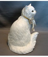 "Gorgeous Lenox Cat Figurine ""Sitting Pretty"" - $11.00"