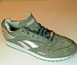 Reebok Womens Shoes 610 Size 8.5 - $24.85