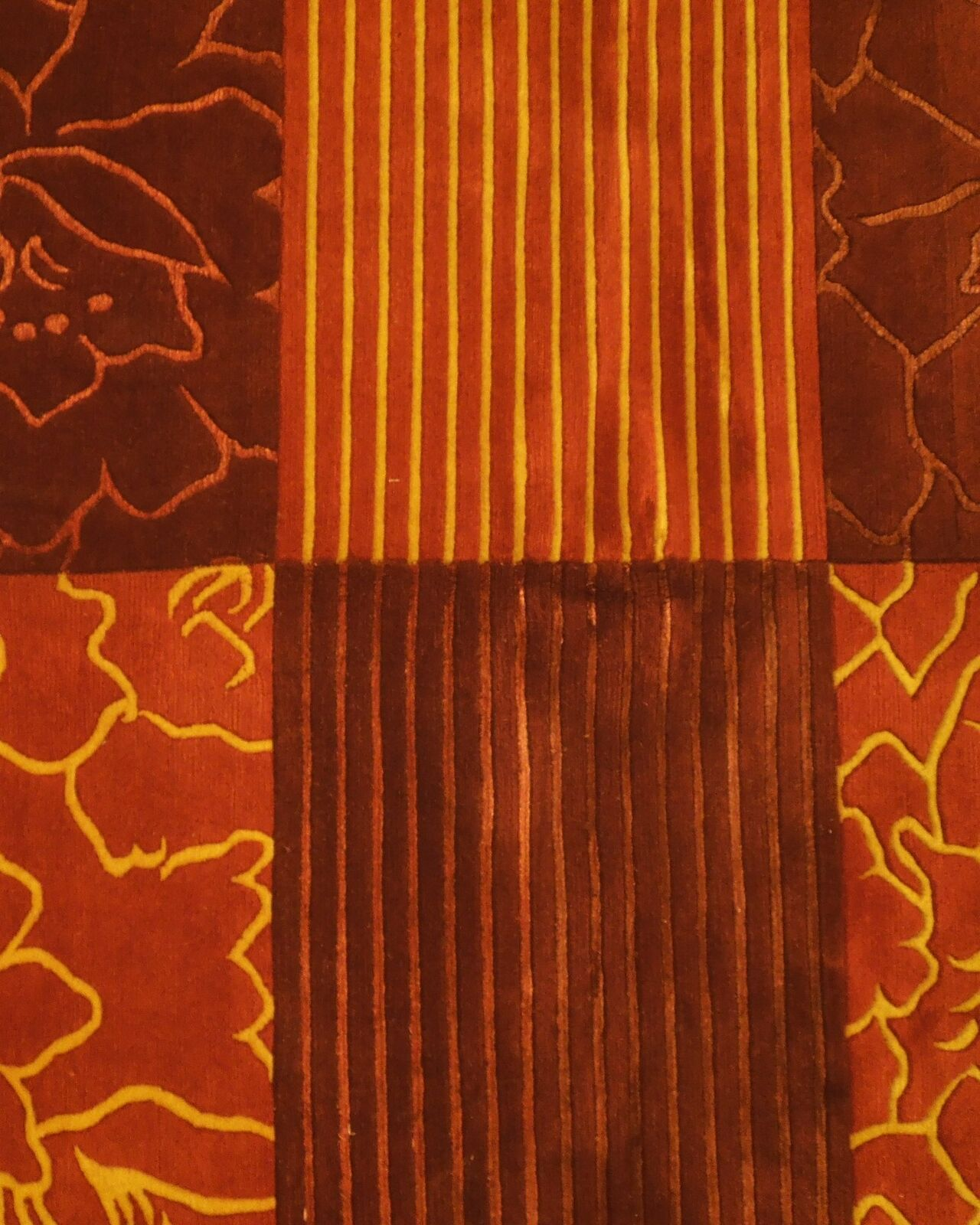 Abstract Shades of Red Gold stripes Handmade 6 x 8 Red Modern Wool & Silk Rug image 11