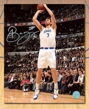 Andrea Bargnani Toronto Huskies Autographed Shooting 8x10 Photo - £45.84 GBP