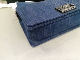 AUTH CHANEL LIMITED EDITION 2017 DENIM DIAMOND QUILTED MEDIUM BOY FLAP BAG NEW image 6