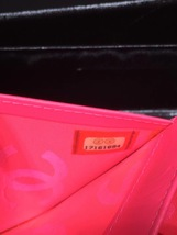 AUTHENTIC CHANEL Rue Cambon Black Hot Pink Lambskin Bi-Fold Wallet Clutch Bag image 8