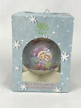 Precious Moments 2002 Couple's First Christmas Together Glass Ball Ornam... - $11.97