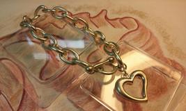 "Vintage Jewelry:8"" Heart Charm Bracelet  10-10-2018 - $8.90"