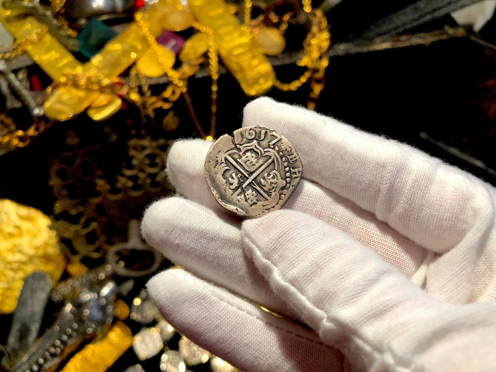 BOLIVIA 2 REALES 1617 DATED PIRATE GOLD COINS TO BE JEWELRY PENDANT NECKLACE image 2