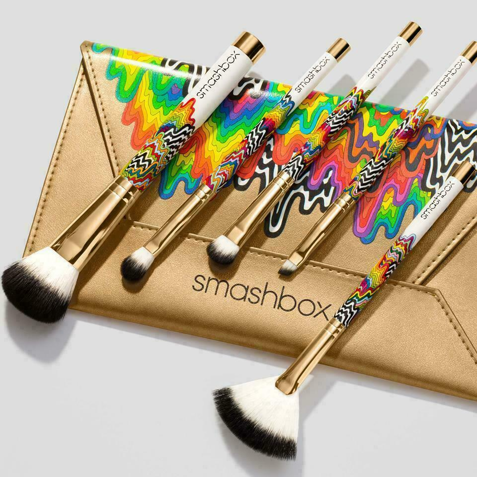 Smashbox HOLIDAZE Artist Brush Set 6 Piece BAG Foundation Brow Fan Shadow NIB - $39.50