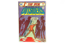 DC 1st Issue Special OUTSIDERS Jan. 1976 Comic Book #10 Vol. 2 - $6.44