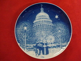 1990 BING & GRONDAHL CHRISTMAS IN AMERICA PLATE CHRISTMAS EVE AT THE CAP... - $24.00