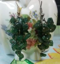 """Vintage Jewelry:;1 1/2"""" Green Stone Chip Pierced Dangle Earrings170901 - $7.99"""