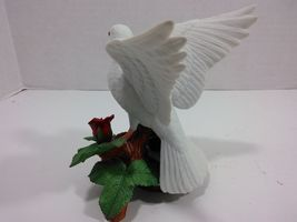 The Annual LENOX Christmas Collection 1993 Christmas Dove (Fine Porcelain) image 4