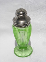 Vtg Hazel Atlas Art Deco Skyscraper Design Green Vaseline Dep. Glass Shaker - $29.99