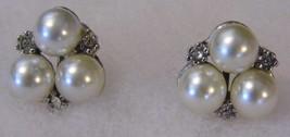 Vintage Screw On Pair Earrings Pearl Diamond Tone Costume Fashion Jewelry - $10.66