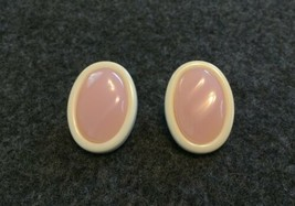 Vtg Pink & Ivory Colored Lucite Wavy Unsigned Avon Clip On Earrings *LAS... - $6.88