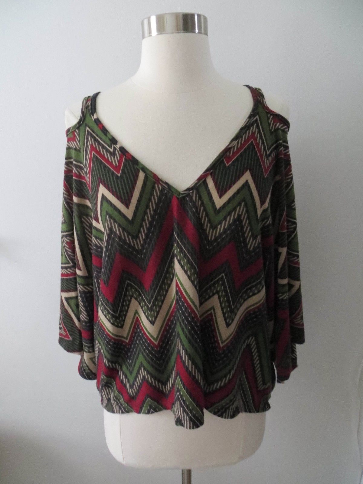 Lovemarks sz SMALL green red colorful zig zag loose-fit v-neck blouse top shirt