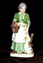Old Woman Figurine DA-21.6 AA18 - 1107Vintage