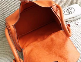 100% Authentic HERMES Taurillon Clemence Lindy 34 ORANGE Shoulder Bag PHW image 4