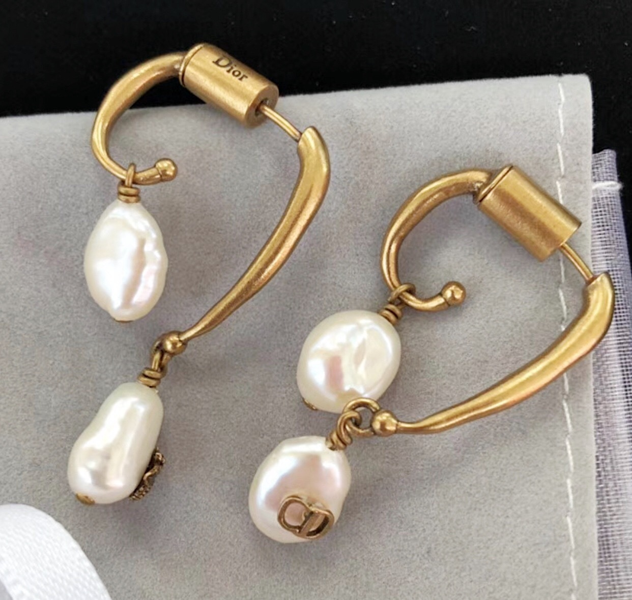 Authentic Christian Dior 2017 Wasp Double Pearl Dangle Drop Earrings Aged Gold