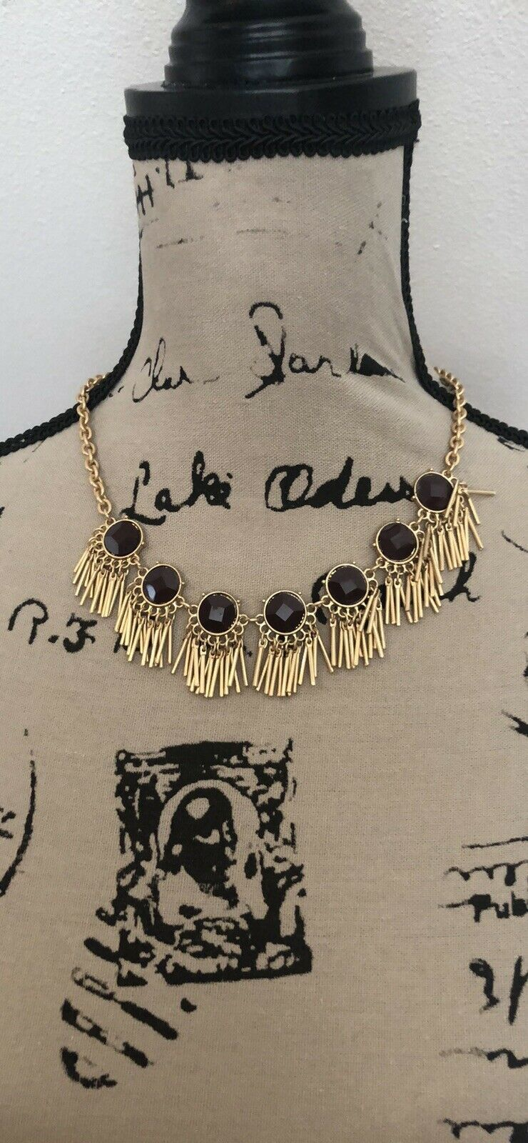 """Van Heusen New With Tags Quality Rhinestone Necklace 9"""" Long. image 2"""