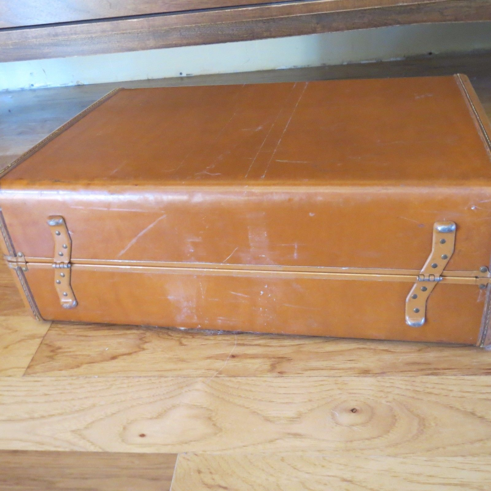VINTAGE  SAMSONITE BROWN HARD SIDE SUITCASE LUGGAGE Shwayder Bro.