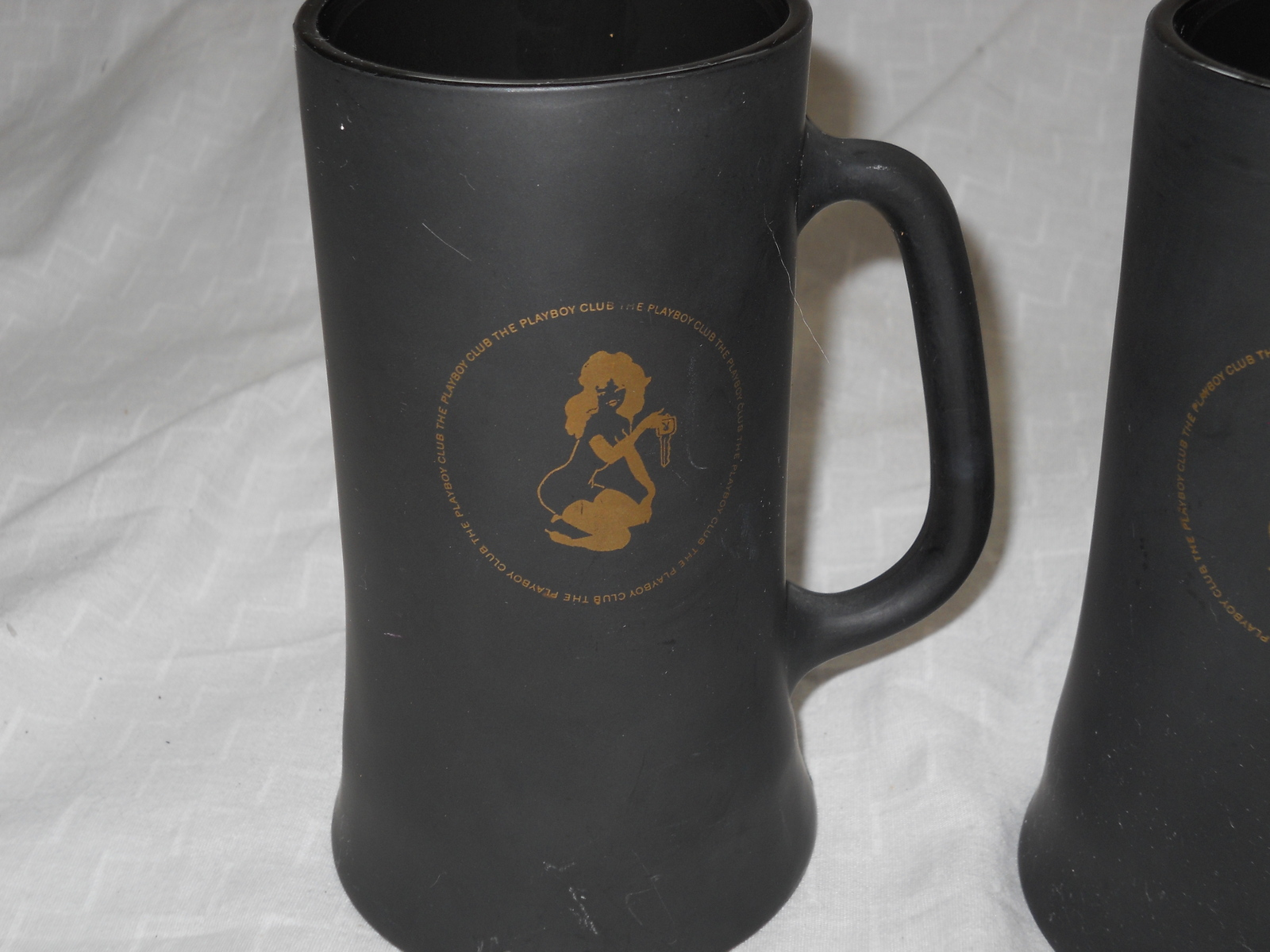 TWO PLAYBOY CLUB BLACK & GOLD FROSTY GLASS COFFEE MUGS, BEER STEIN CUP VTG 60's image 3