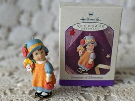 Hallmark Keepsake Bouquet Of Memories Ornament 1997 - $7.75