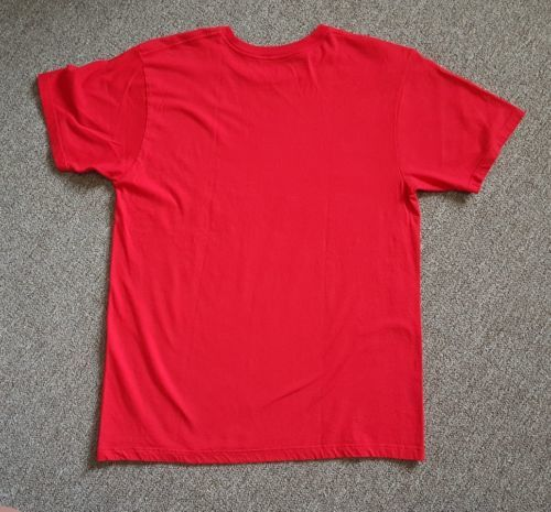 Type Tees Slogan by Jon M. Wilson Men's T-Shirt Size Medium Red Graphic Tee