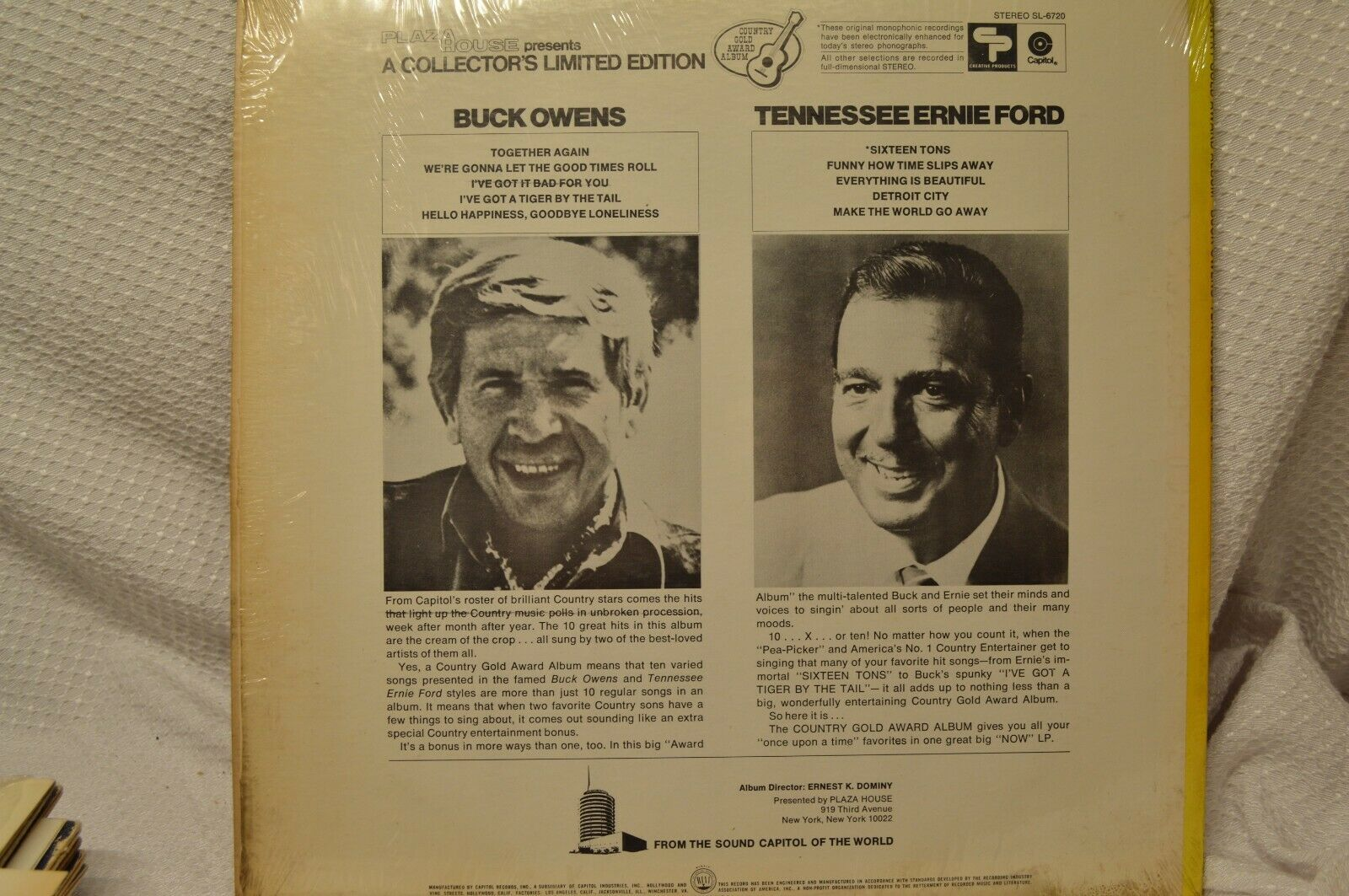 1971 LP 33 RECORD BUCK OWENS AND TENNESSEE ERNIE FORD  Music Hall Country Gold