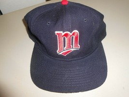 Fitted Minnesota Twins Dark Blue Cap with Red & White Logo Size 7 1/4 - $7.92