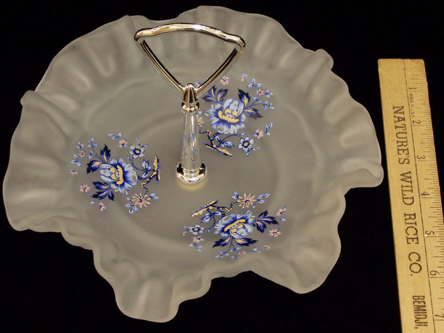 Small Dessert Tray with Center Handle Blue Flowers