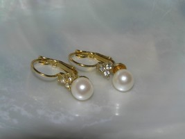 Estate Elegant Simple Faux White Pearl with 3 Clear Rhinestone Accents E... - $8.59