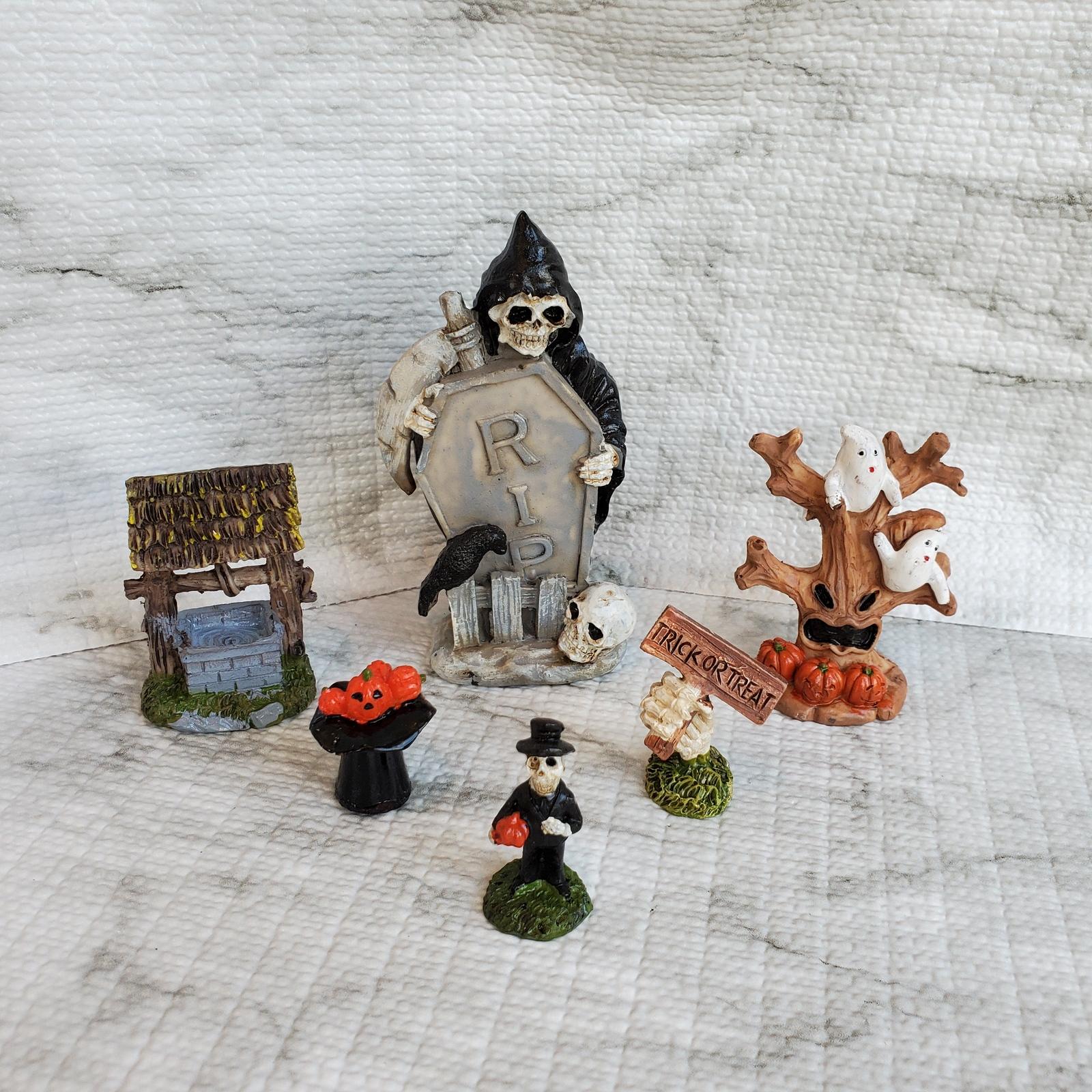 Halloweenvillage2 1