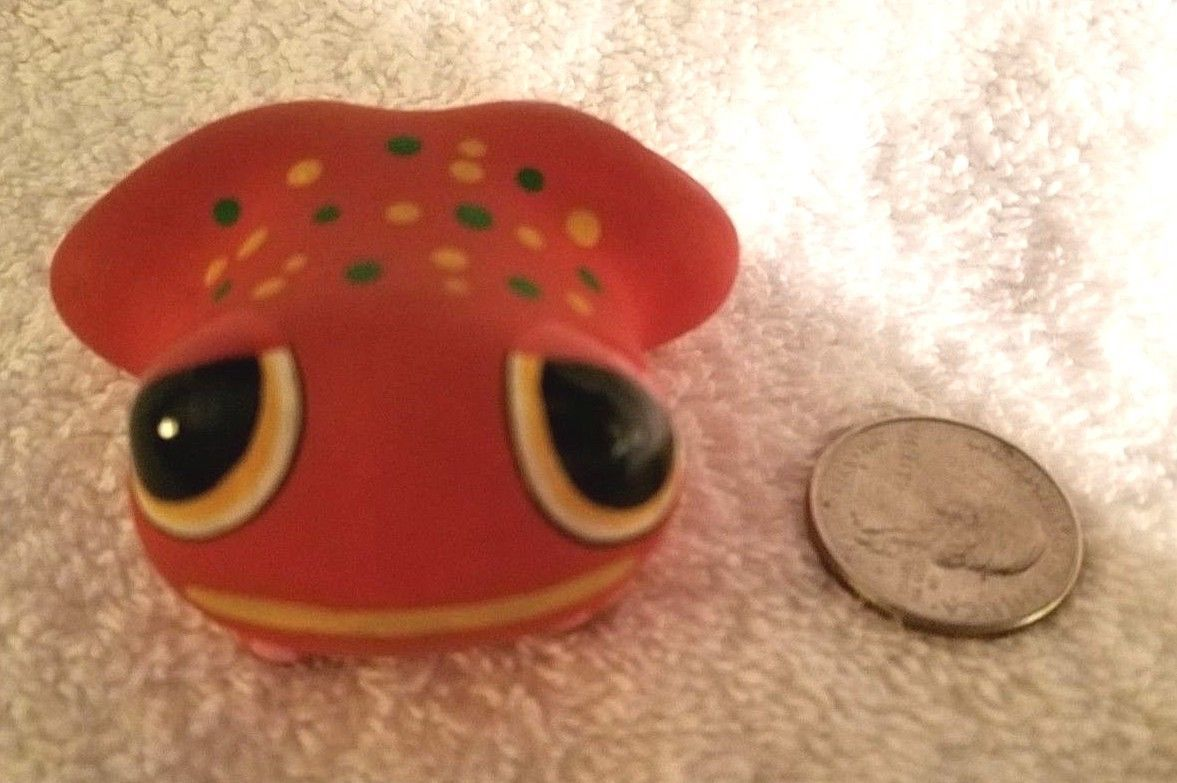 Gloria A Dios Ceramic Frog Figurine Hand Painted Signed Costa Rica ADORABLE!