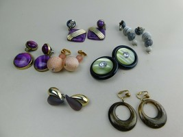 Vintage Lot Of 7 Pairs Of Clip On Earrings Dangle Plastic  A3 - $19.59