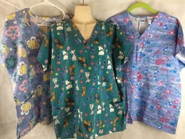Scrub Lot of 3 Women's Size M 10-12 Shirts Tops Fishes Dogs Hugs & Kisses XOX - $13.81