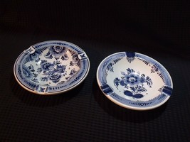 PAIR OF VINTAGE HAND PAINTED DELFT BLAUW PORCELAIN ASH TRAYS - $34.65