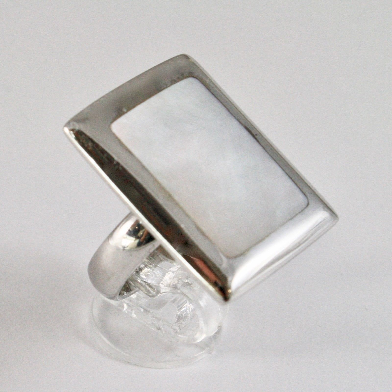 ANILLO DE PLATA 925 CON MADRE PERLA BLANCA NATURAL RECTANGULAR