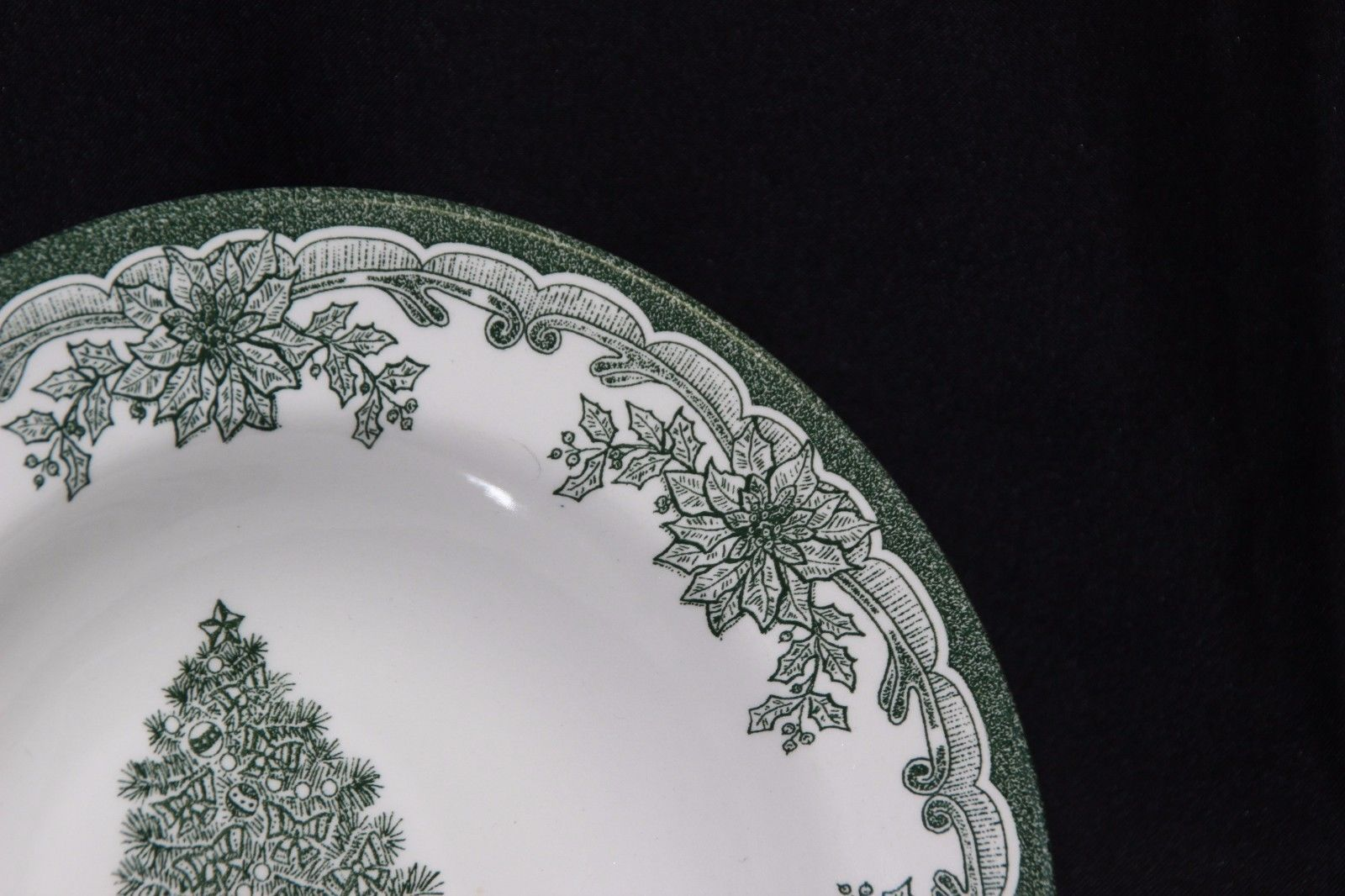 Staffordshire Engravings Yuletide Green Salad Plates and Soup Bowls image 4