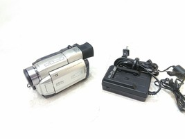 JVC GR-DVL300U MiniDV Video Camcorder and Charger Limited Testing AS-IS for Part - $72.90