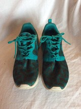 Nike Rousherun Sneakers Green Emerald Size 6.5 - $49.49