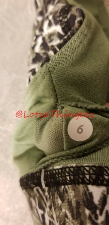 Lululemon 6 Black & Green Mix Sports Bra