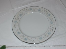 "English Garden Fine China 1221 Japan Dinner Plate 10 1/4"" white blue flower - $18.69"
