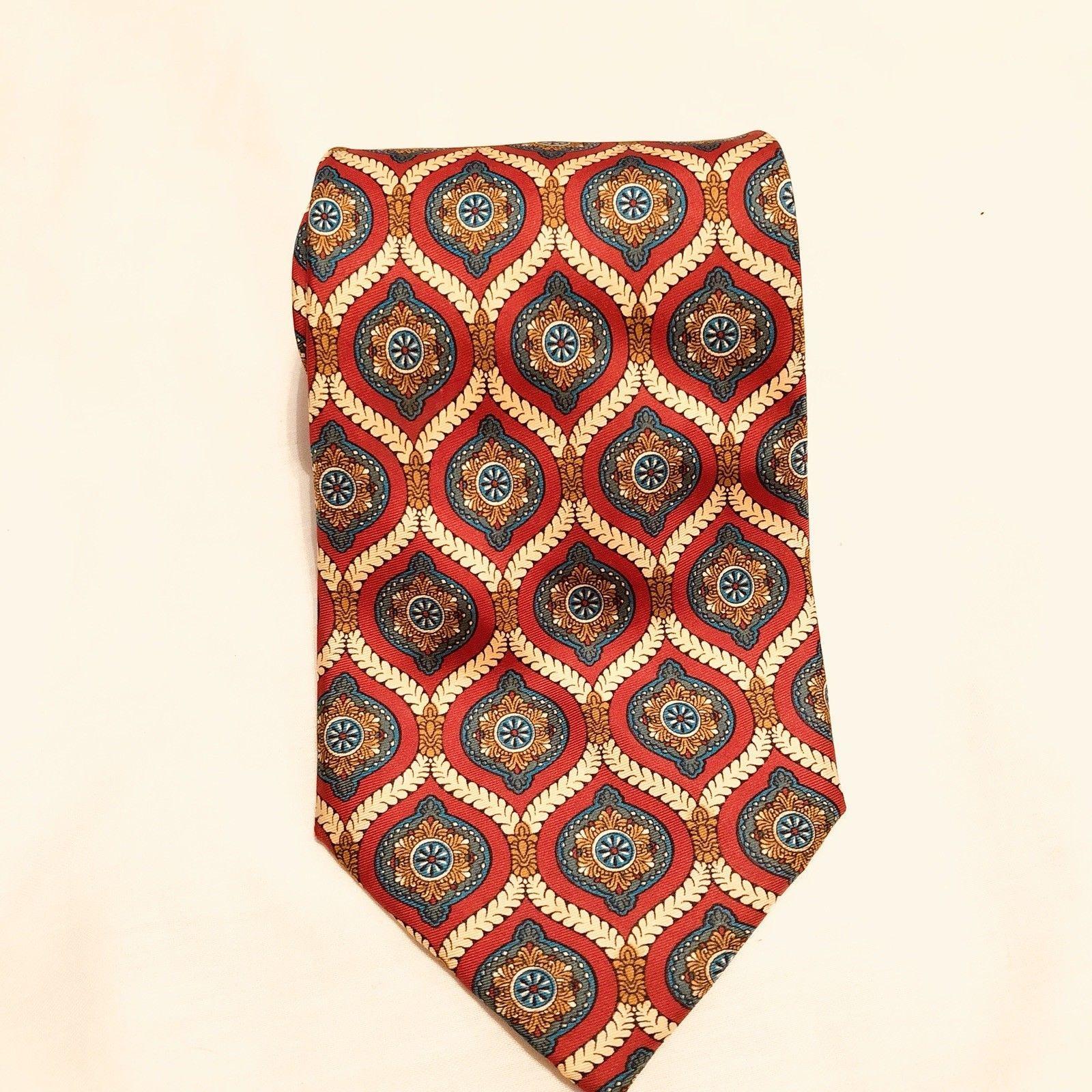 FENDI Men's 100% Silk Handmade in Italy Necktie Red