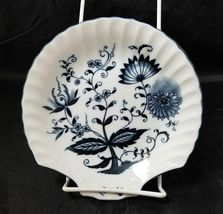"""Blue Onion Scallop Shell Bowls Set of 4 Clam Shell Plates 7""""×7"""" White, Swords image 3"""
